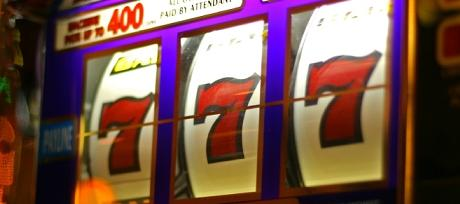 How often do slot machines pay off harrahs casino credit